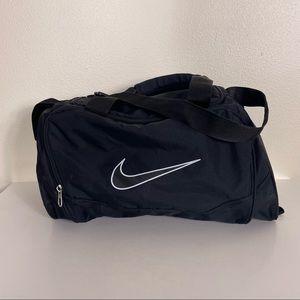 Nike Black Medium Sized Duffle Travel Sports Bag